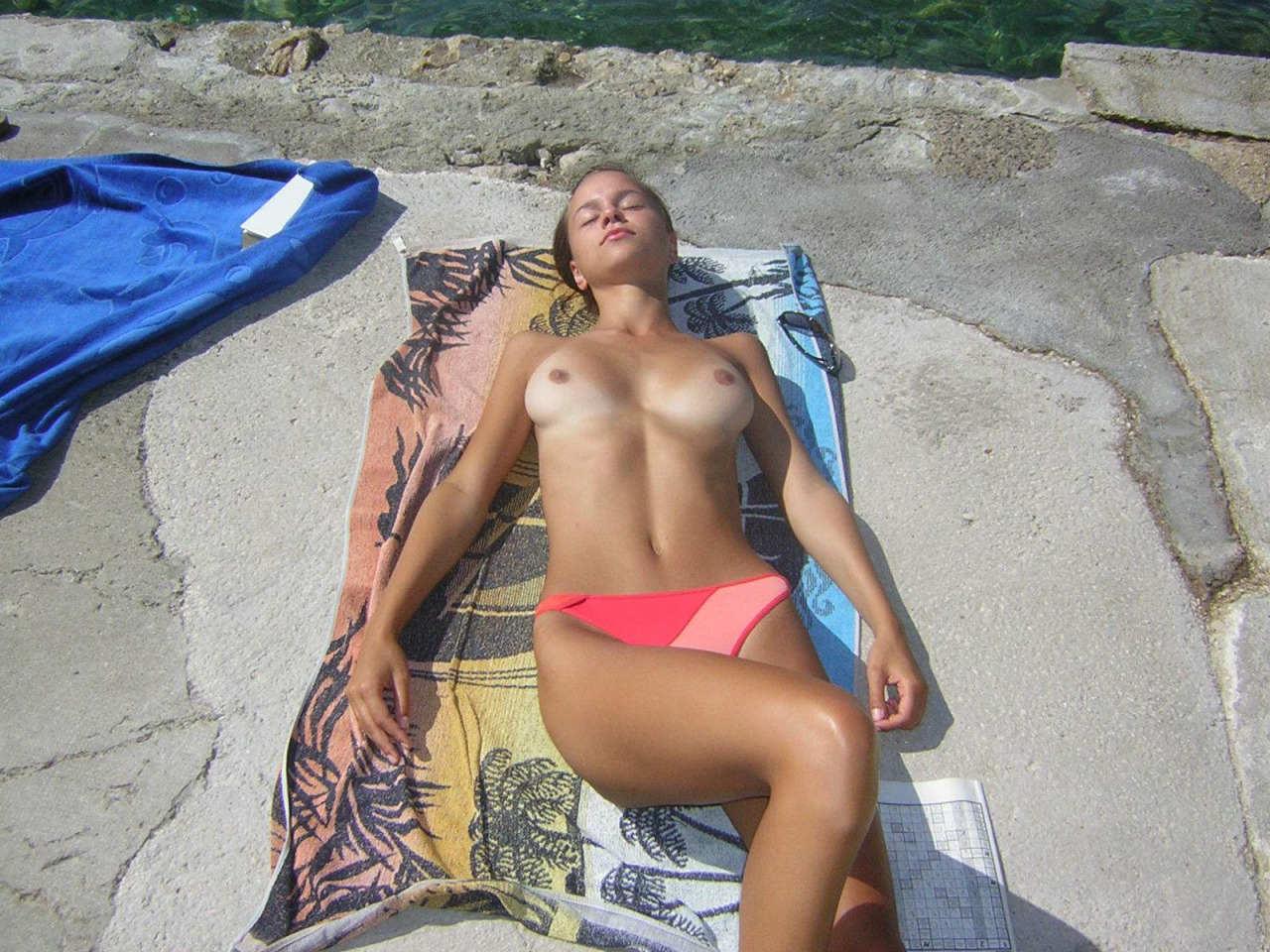 クロアチアヌーディストビーチ (10)