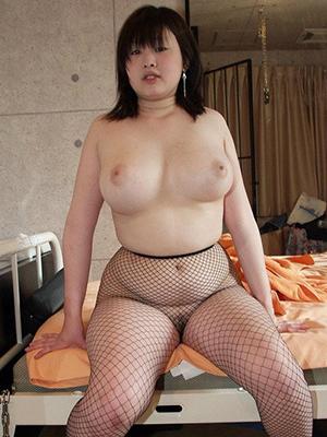 【画像】こういうデブだけどクビれがある女の体、マジでエロすぎるわ・・・・