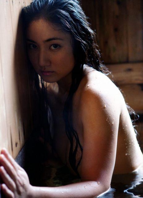 紗綾セミヌードエロ画像 (25)