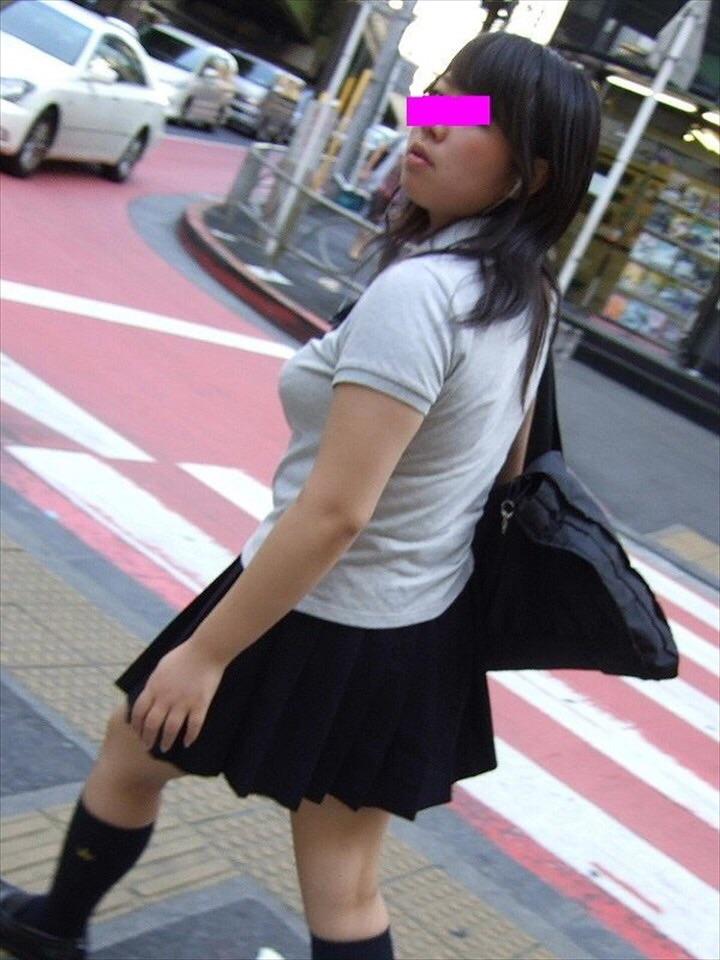 巨乳・爆乳JKエロ画像 (13)