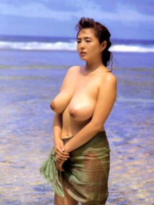 】芸能人全裸ヌード濡れ場