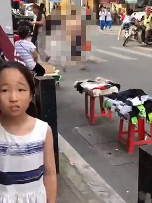 中国人女性露出狂